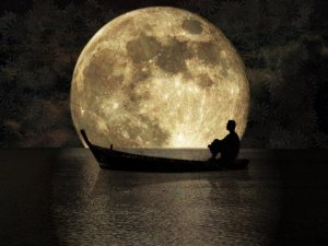 Photo- moon boat